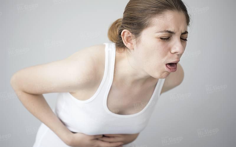 Một vài bệnh về tiêu hóa cũng có thể gây buồn nôn khi đánh răng