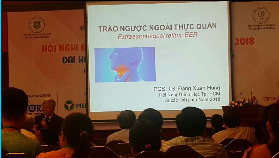 PGS Đặng Xuân Hùng giới thiệu về tác dụng của gối Hi-sleep với bệnh trào ngược ngoài thực quản