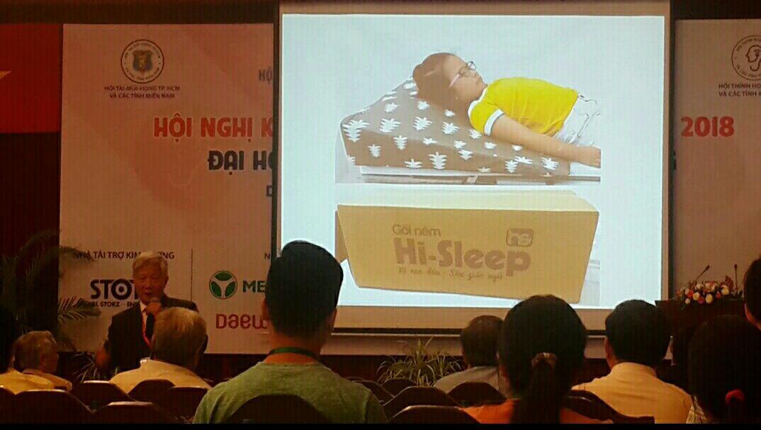 Gối nêm chống trào ngược Hi-Sleep đã nhận được sự quan tâm, đón nhận vô cùng tích cực từ các Bác sĩ, Giáo sư, Tiến sĩ đầu ngành Tai Mũi Họng