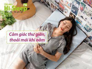 Gối nêm Hi-Sleep đem lại cảm giác thư giãn, thoải mái khi nằm