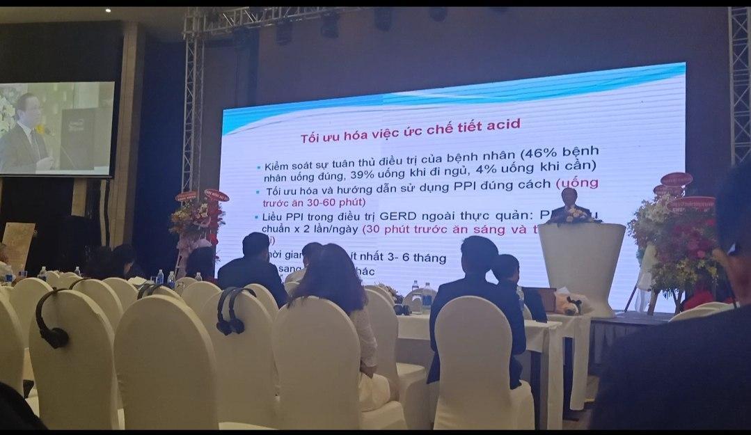PGS, TS, BS Bùi Hữu Hoàng phát biểu tại hội nghị