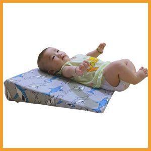 Sử dụng gối chống trào ngược cho trẻ bị trào ngược dạ dày